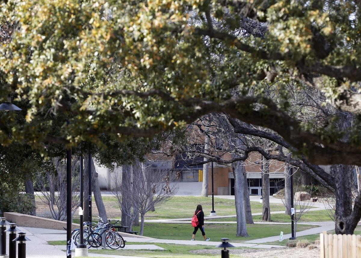 Where  find  a girls in Denton, Texas