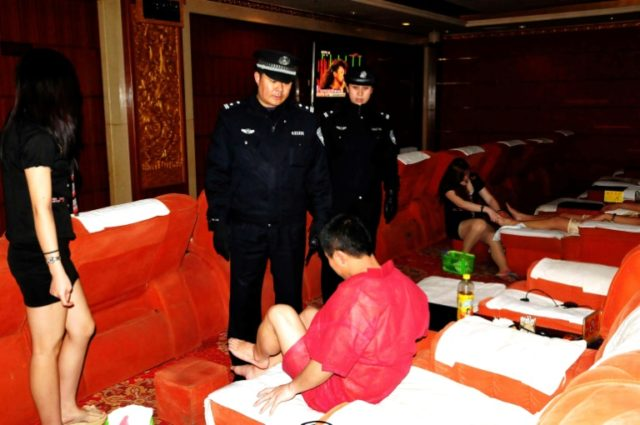 Where  buy  a hookers in Qingdao (CN)