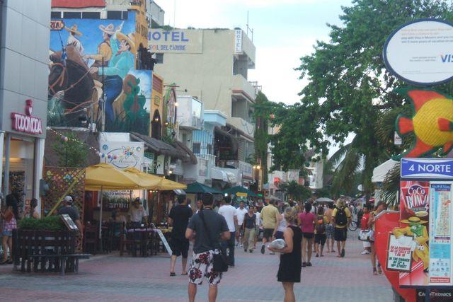 Whores in Chichen-Itza, Yucatan