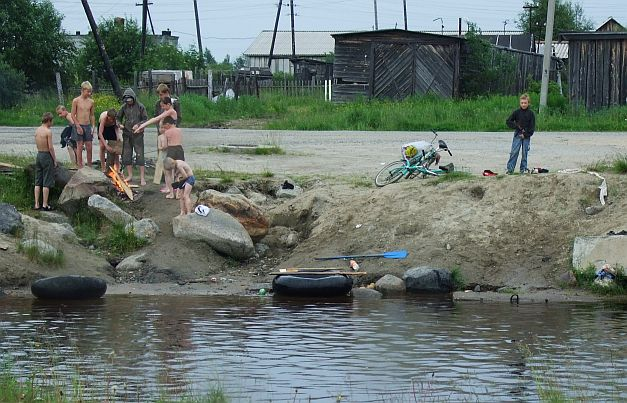 Girls in Monchegorsk, Murmansk