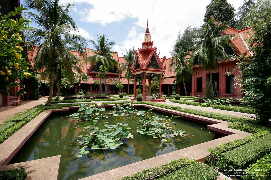 Where  find  a prostitutes in Ta Khmau, Cambodia