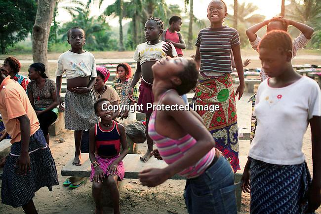 Girls in Kinshasa, Democratic Republic of the Congo