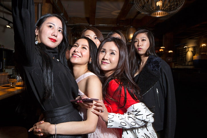 Where  find  a hookers in Yicheng (CN)