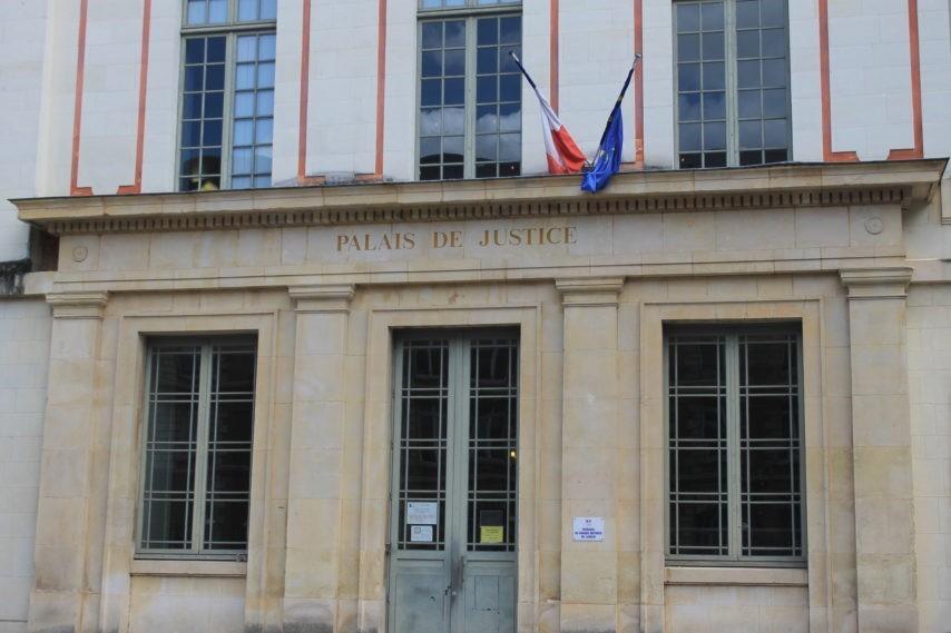 Lisieux, France prostitutes